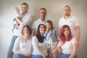 Portrait en famille imprimé sur aluminium dibond pour offrir à un anniversaire de mariage